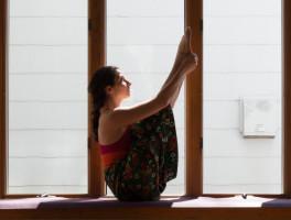 Cara_Yoga_©LGamble-16-2