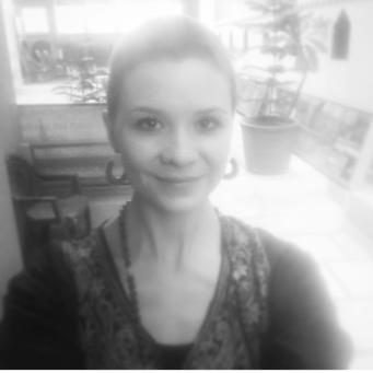 Lauren Cox, Studio Manager